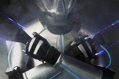 Tanecne vystupenie robota s lasermi na akciu